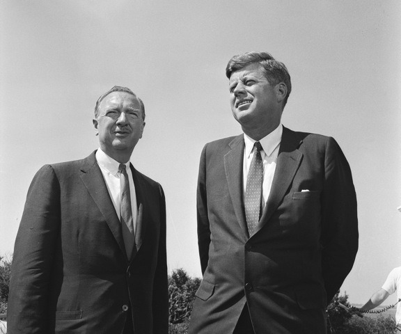 an introduction to the history of jfk assassination This document is online at:   introduction my letter to attorney vincent salandria, dated april 5, 1995, which serves as the center of this.