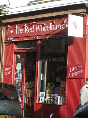 10_fall_in_paris.1256832554.the-red-wheelbarrow-english-language-bookshop.jpg