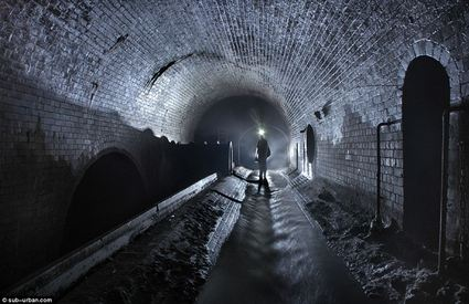 [FIC] : La bataille de Paris Fleet_street_sewer_figure1-thumb-425x275-43076