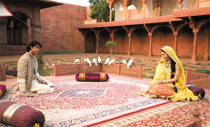 jodhaa akbar_couple sit doves.jpg