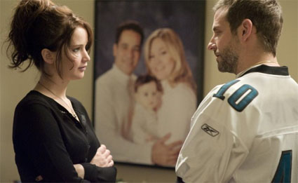 silver-lining-playbook_Cooper-Lawrence-family-pic.jpg