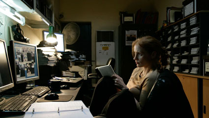 Zero-Dark-Thirty_desk_notes_Chastain.jpg