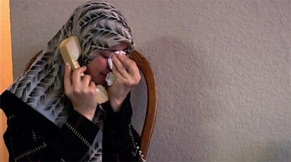 usa-vs-al-arian-Nahla-phone.jpg