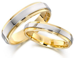 35-gold-wedding-rings.jpg