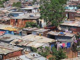 2_ 800px-Soweto_township.jpg