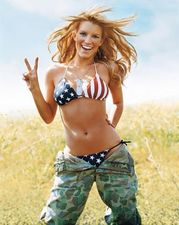 jessica-simpson-on-gq-cover-in-american-flag-bikini-dbu-pants-and-soldier-dog-tags.jpg