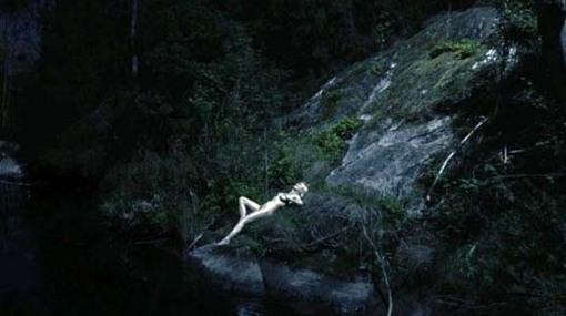 dunst-nude.jpg
