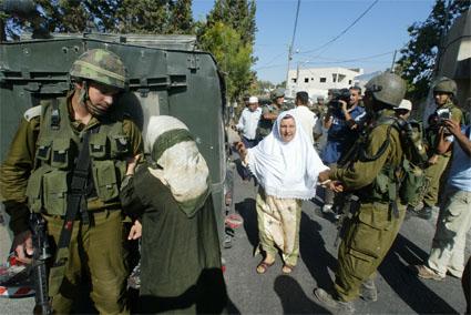 5-broken-cameras_Israeli-soldier.jpg
