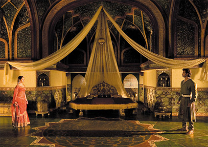 jodhaa akbar_couple-bed-canopy.jpg