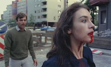 possession1981_street_fight_scene.jpg