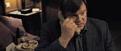 in-bruges-touch-evil-phone.jpg