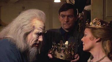 dresser_king_queen.jpg