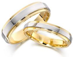 35-gold-wedding-rings.jpg