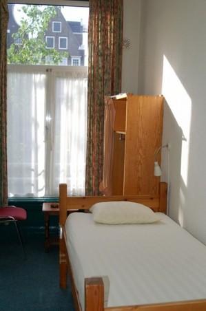 5_.hotel.jpg