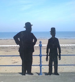 Laurel_and_Hardy_Silhouette copy.jpg
