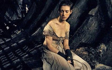 Anne-Hathaway_Les-Miserables.jpg