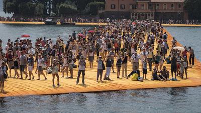 Homepage walking water image